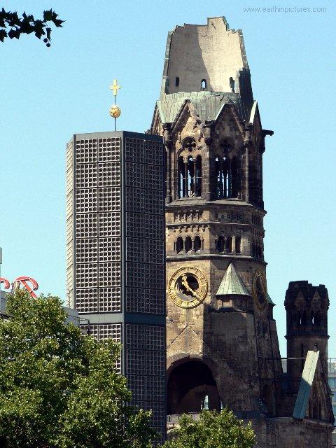 Památný kostel císaře Wilhelma ( 480x640 )