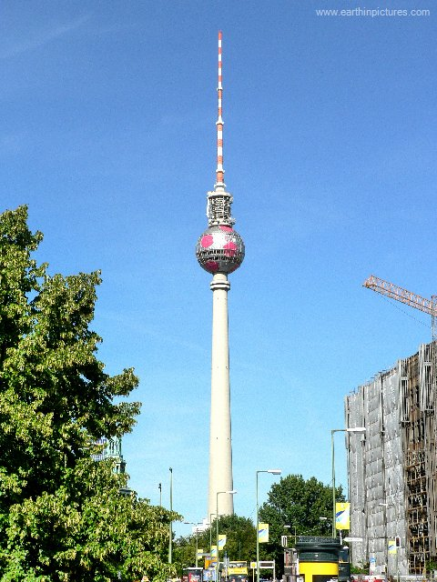 Televizní věž ( 480x640 )