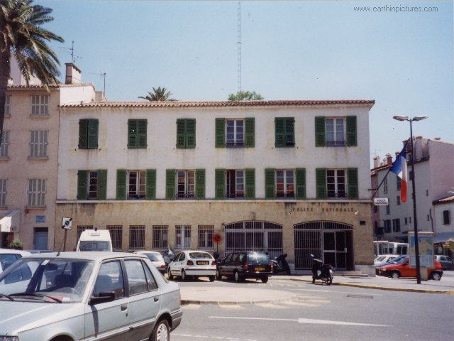 Saint Tropez Polizeistation ( 640x480 )