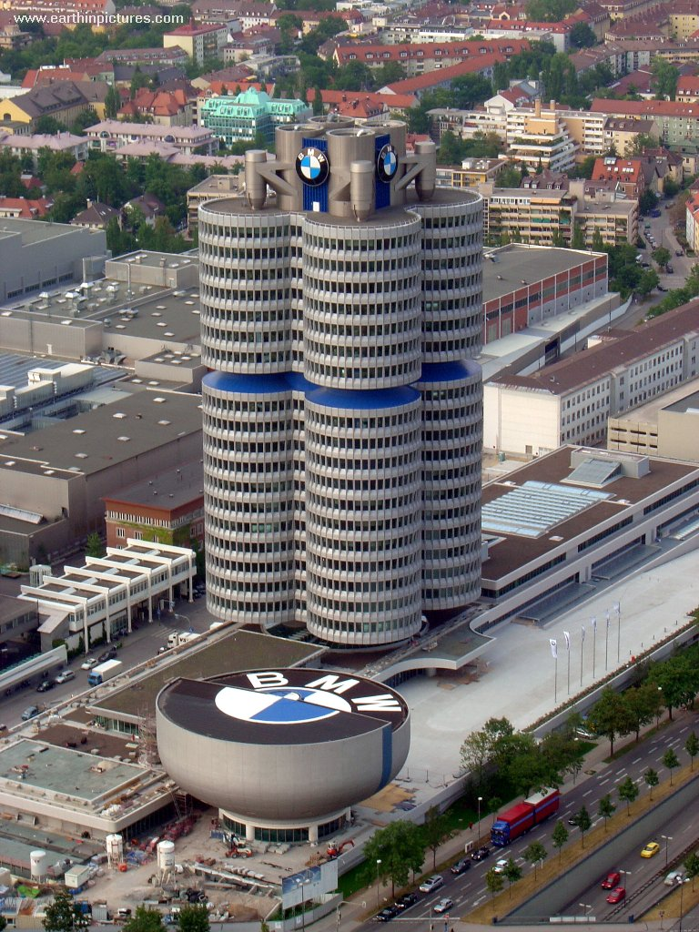Bâtiment central de BMW ( 768x1024 )