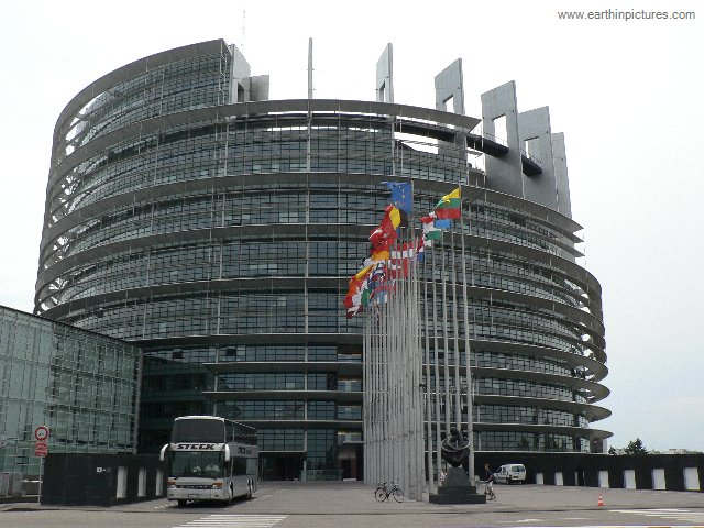 Europees Parlement - Louise Weiss gebouw ( 640x480 )