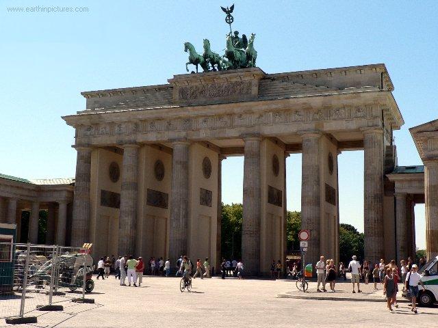Poarta Brandenburg - poze, fotografii, fapte şi informaţii despre Poarta  Brandenburg (Berlin)