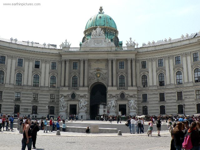 Hofburg Imperial Palace ( 640x480 )