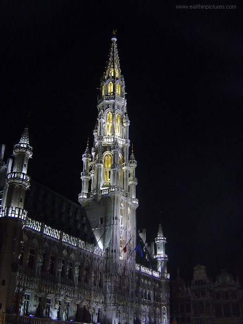 ������ ������ ���� brussels_city_hall_at_night.jpg