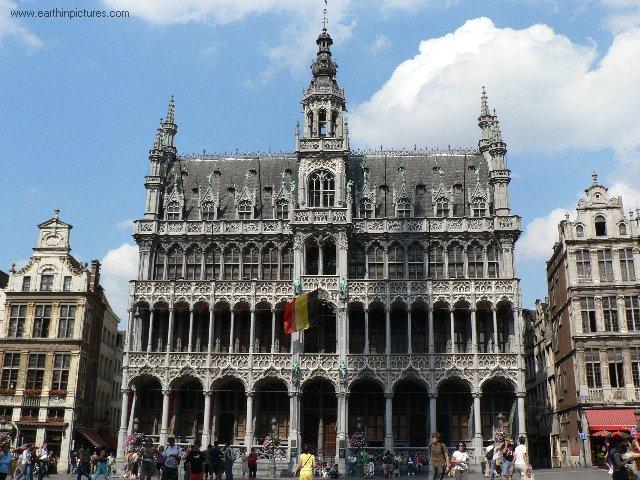 اماكن سياحية في بلجيكا  The_king%27s_house_%28maison_du_roi%29