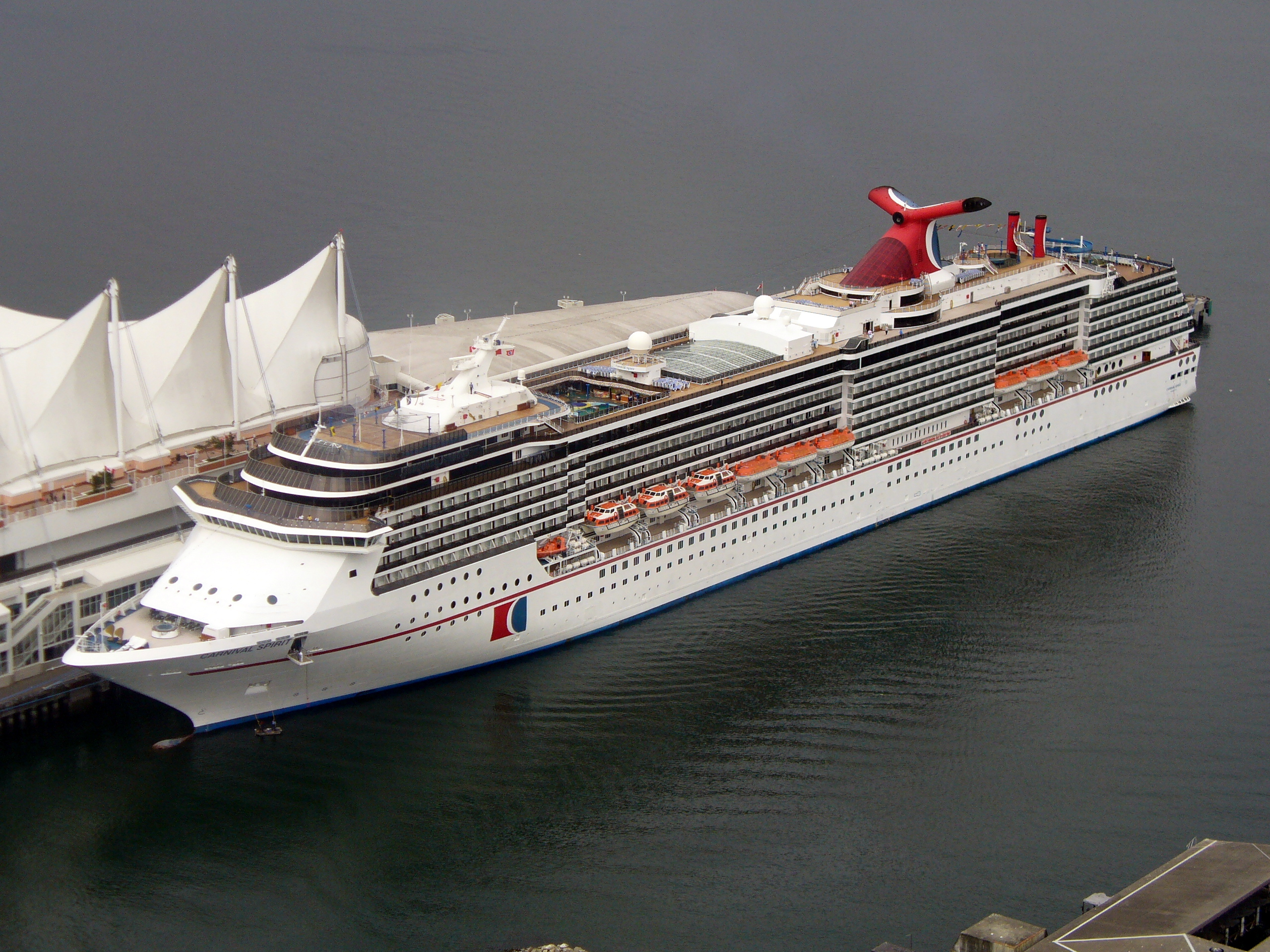 Carnival spirit Cruise Ship at Port of Vancouver ( 640x480 )