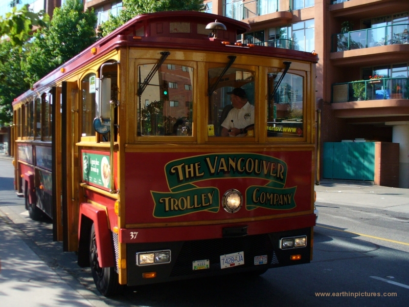 Vancouver Trolley Company Bus without trolley poles ( 800x600 )