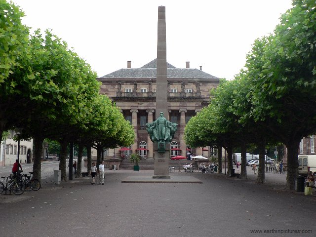 Broglie Square With The General Leclerc Statue ( 640x480 )
