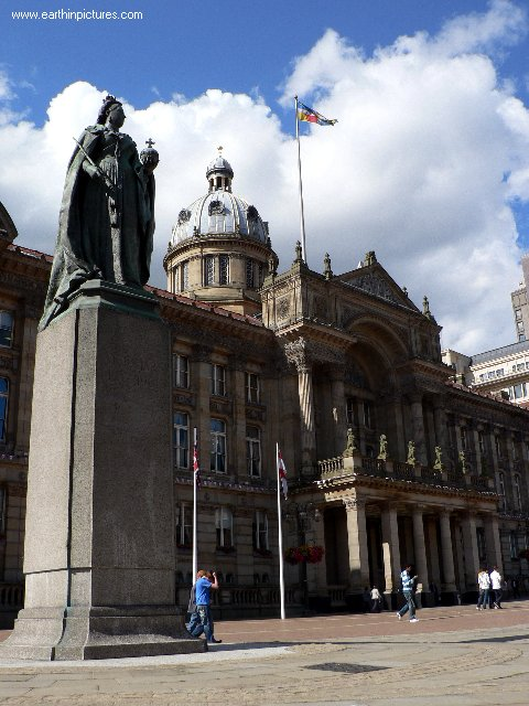 The Queen Victoria Statue and Council House in Victoria Square ( 480x640 )
