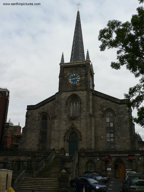 St George's Church and Crypt ( 480x640 )