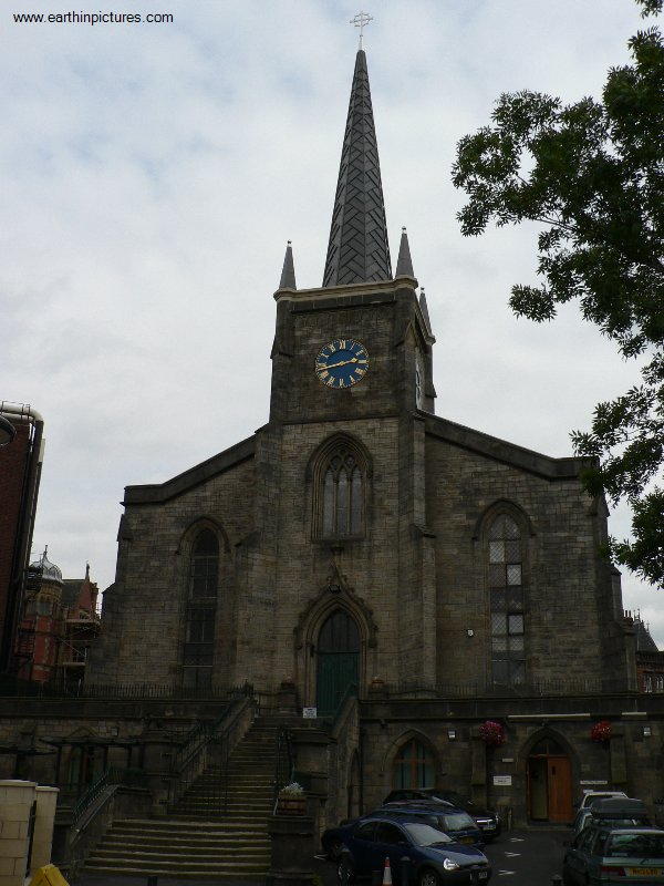 St George's Church and Crypt ( 600x800 )