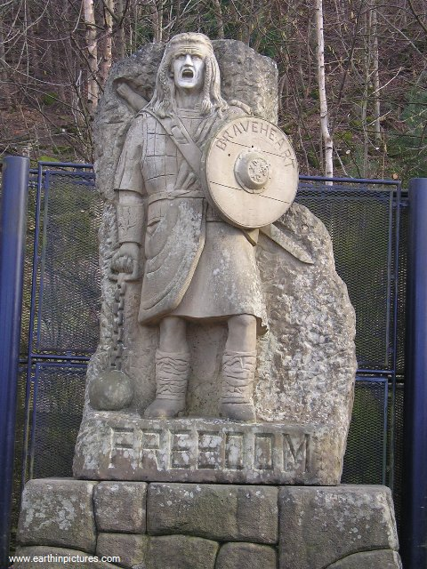 William Wallace Statue below the Monument ( 480x640 )