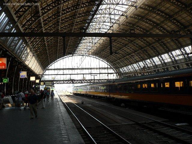inside_central_station.jpg