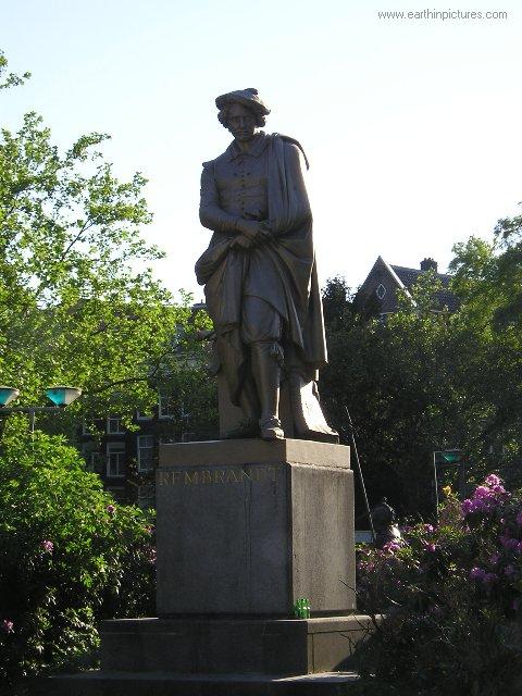 rembrandt_statue.jpg