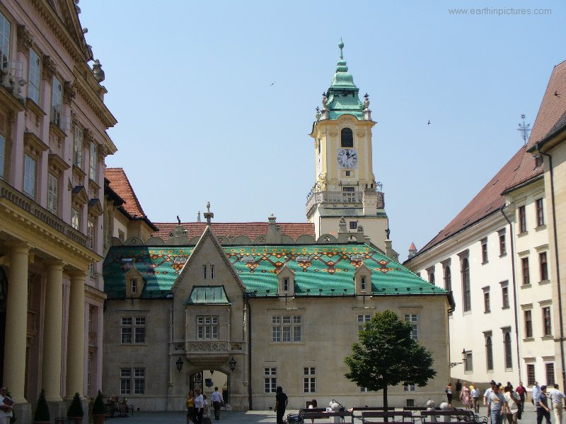 Old Town Hall (View From Primate's Square) ( 800x600 )