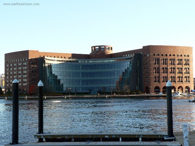 John Joseph Moakley Federal Courthouse ( 640x480 )